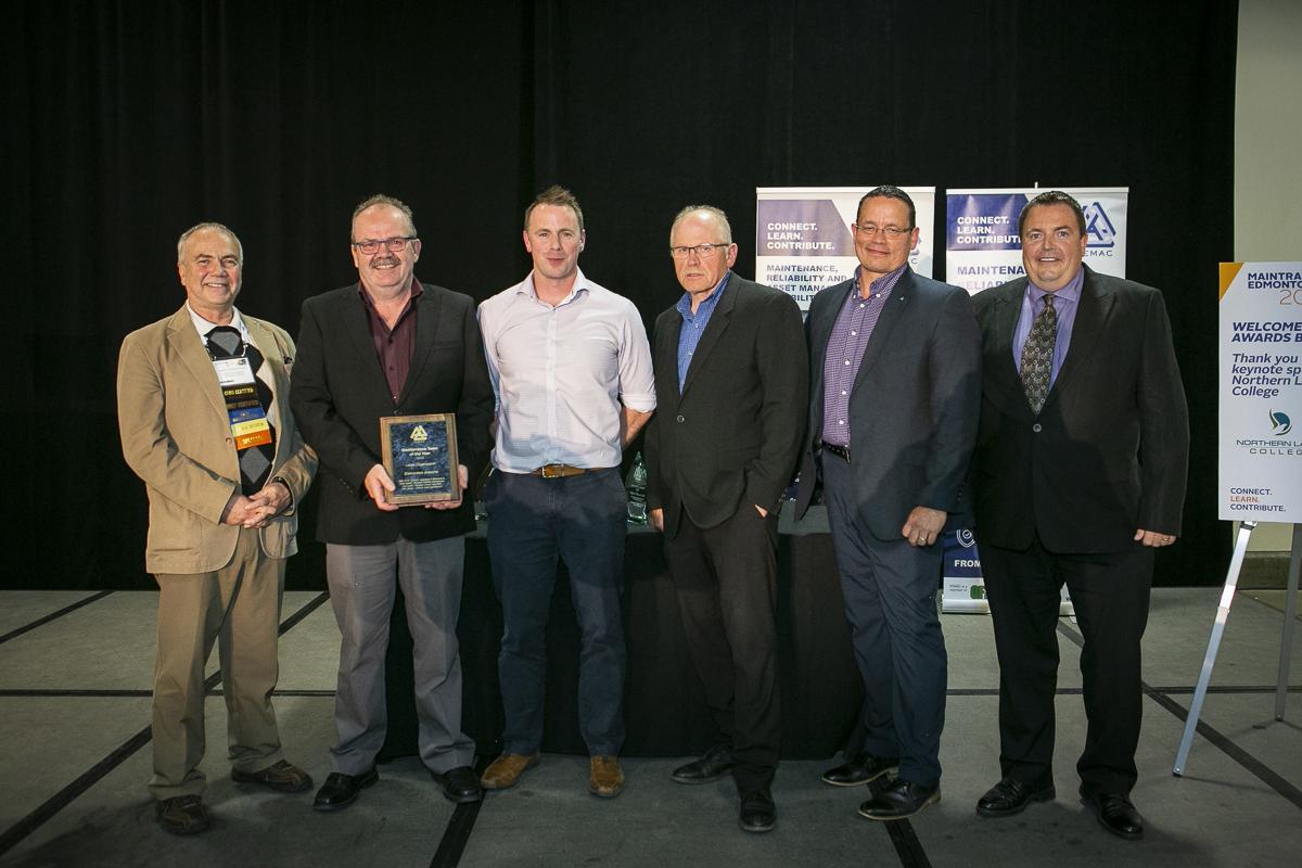 Edmonton Airports - 2019 Maintenance Team of the Year receiving award